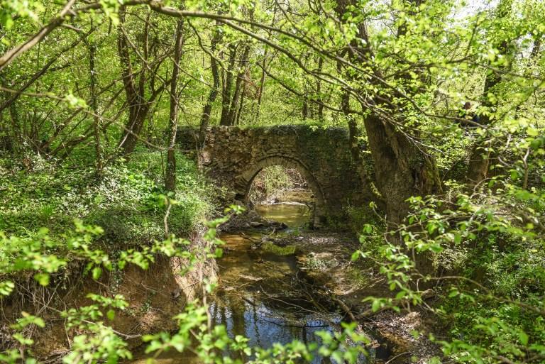 Srednjovjekovni most na potoku Ljutotuk